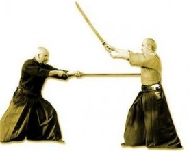 Aïkido : savoir attaquer avec une arme