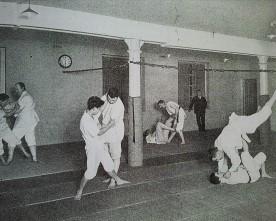Aux origines des arts martiaux japonais en Europe : le Bartistu