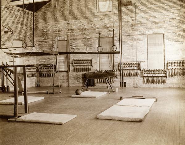gymnasium-1893